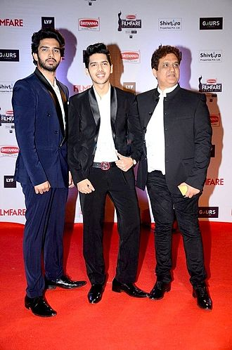 Armaan Malik - Armaan with his father Daboo Malik and brother Amaal Mallik at 61st Filmfare Awards in 2016