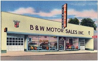 DeSoto (automobile) - DeSoto-Plymouth dealer on 815 Penn Avenue, Wilkinsburg, Pennsylvania, ca. 1930–1945