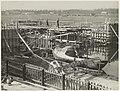 De bouw van de Sinneveltbrug op de hoek van de Jan Gijzenvaart en de Delft. NL-HlmNHA 54010606.JPG