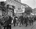 Demonstratie van Duitse mijnwerkers in Bonn tegen sluiting van mijnen in het Roe, Bestanddeelnr 910-7031.jpg