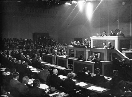 Dollfuss addressing the League of Nations in 1933