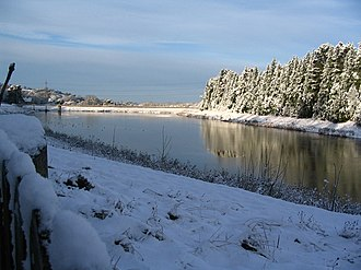 Dowdeswell Reservoir - Reservoir towards dam end and wood edge, winter 2005