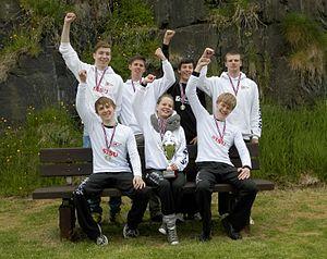 Drekin Winners of 5 mannafor boys rowing race Joansoka 2012.jpg