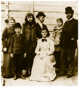 Dvořák with his family and friends in New York in 1893. From left: his wife Anna, son Antonín, Sadie Siebert, Josef Jan Kovařík (secretary), mother of Sadie Siebert, daughter Otilie, Antonín Dvořák.[70] (Source: Wikimedia)