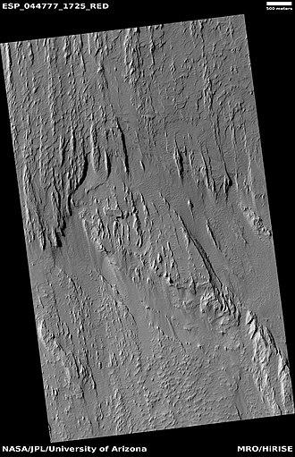 Lucus Planum - Image: ESP 044777 1725yardangs