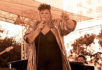 Etta James, 2000 Music in the Park San Jose Ca...