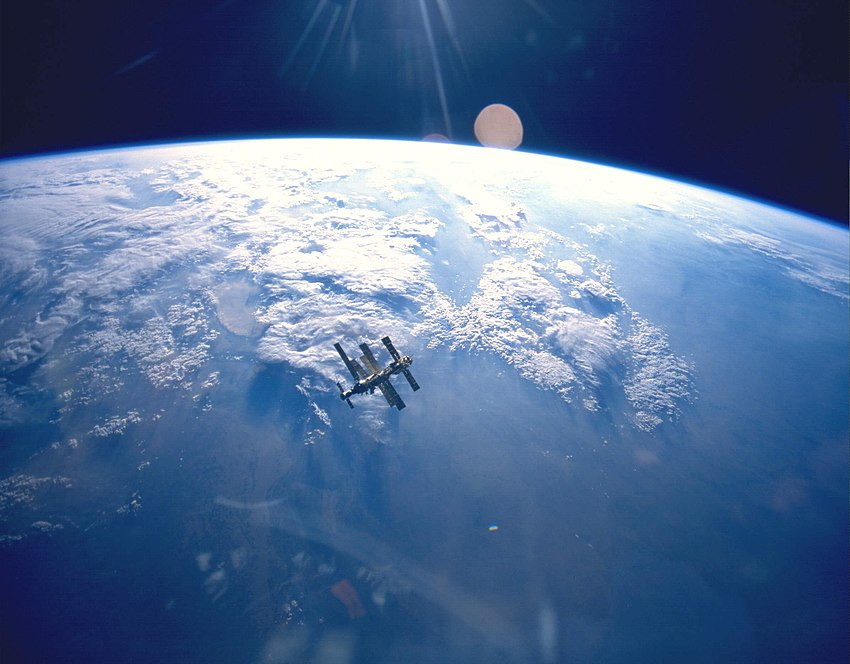 Earth & Mir (STS-71).jpg