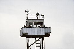 bemande wachttoren aan oost duitse zijde 1984