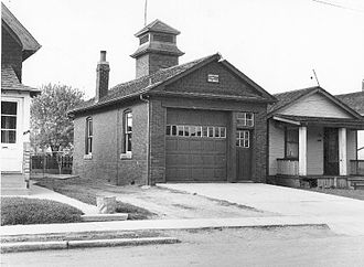 Toronto Police Service - An East York Police and Fire Station. In 1957, the East York Police, was amalgamated with other municipal forces in the metropolitan area, forming the Metropolitan Toronto Police.