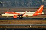 EasyJet, G-EZRL, Airbus A320-214 (28358360739).jpg