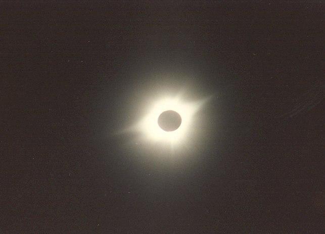 Eclipse CR 1991 b zoom