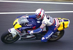 Eddie Lawson - Lawson in 1989 riding a Honda NSR500