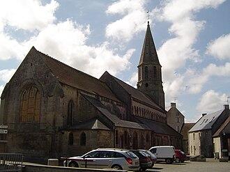 Creully - Image: Eglise creully calvados