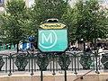 Entrée Station Métro Ménilmontant Paris 2.jpg