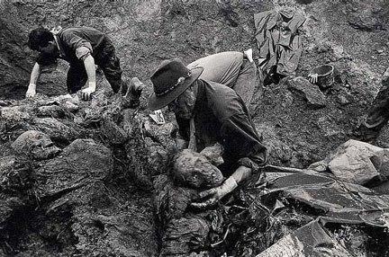 Exhumations in Srebrenica 1996