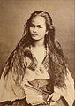 """Exposition """"Cheveux chéris"""" (musée du quai Branly, Paris) (8168030071).jpg"""