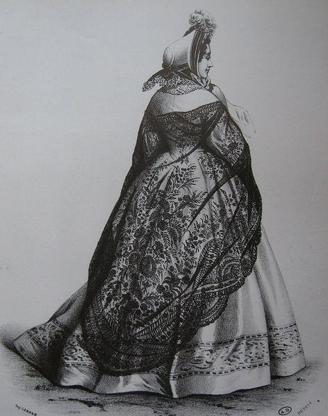 La mantilla española - Página 2 472px-Fashion_plate_(Shawl_of_black_Chantilly_lace)