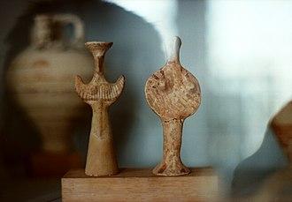 Archaeological Museum of Eleusis - Image: Female figurines, Mycenaean Bird Goddesses, AM Eleusus, Elem 513