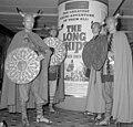 Filmreclame De mars van de Vikingen over het Gartmanplantsoen te Amsterdam Opd, Bestanddeelnr 916-8776.jpg
