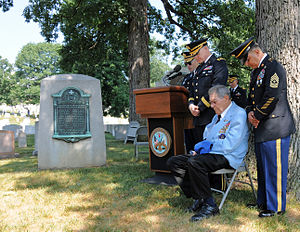 Douglas L. Carver - Image: Flickr The U.S. Army Army Chaplain Corps prays