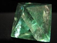 220px-Fluorite_octahedron.jpg