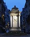 Fontaine du puits de Grenelle, Paris 15e 1.jpg