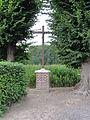 Fontaines-lès-Clercs (Aisne) croix de chemin entre 2 arbres.JPG
