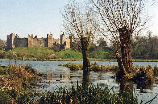 Framlingham Castle across The Mere - geograph.org.uk - 2354089