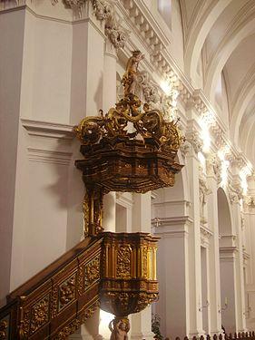 Fulda Dom St. Salvator & Bonifatius Innen Kanzel 2.JPG