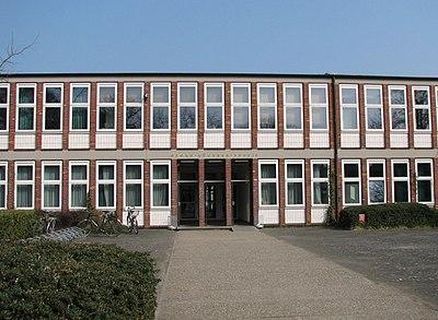 GBS Haupteingang.jpg