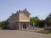 Gare de Foëcy.JPG
