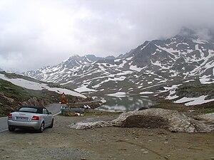 Gavia Pass - Image: Gavia Pass, Lombardy, Italy (July 4 2004)