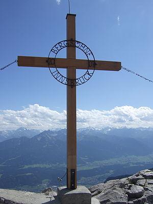 Hafelekarspitze - Image: Gipfelkreuz Hafelekar