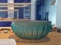 Glazen kralen en ribkom (Limmel, 50-100 na Chr), glascollectie Centre Céramique, Maastricht, 2013.jpg