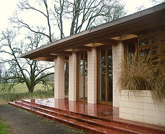 Gordon House (Silverton, Oregon) - Image: Gordon House living room exterior 2007 12 23 16 02 59 0109