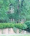 GuentherZ 2012-05-26 0432 Ravelsbach Pfarrhofgarten Gebaeude.jpg