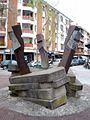 Guernica - Escultura 'Astelehena Jai' (Eduardo Gordo, 1991).jpg