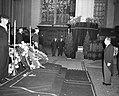 Herdenking Oorlogsgraven Comite Nieuwe Kerk Amsterdam Kranslegging door ambassad, Bestanddeelnr 908-1211.jpg