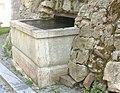 Hořice na Šumavě, Kašna VI. v opěrné zdi hřbitova 02.JPG