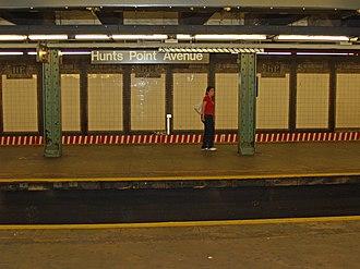 Hunts Point Avenue (IRT Pelham Line) - Image: Hunts Point Avenue (IRT Pelham Line) by David Shankbone