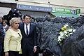 Ignacio González con Ángeles Pedraza en un acto de apoyo a las víctimas del terrorismo 02.jpg