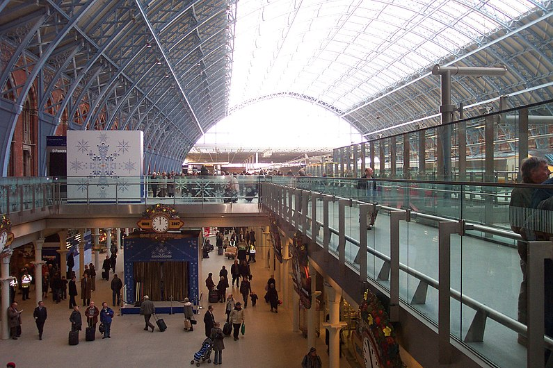 Image-The Arcade at St Pancras railway station 2.JPG