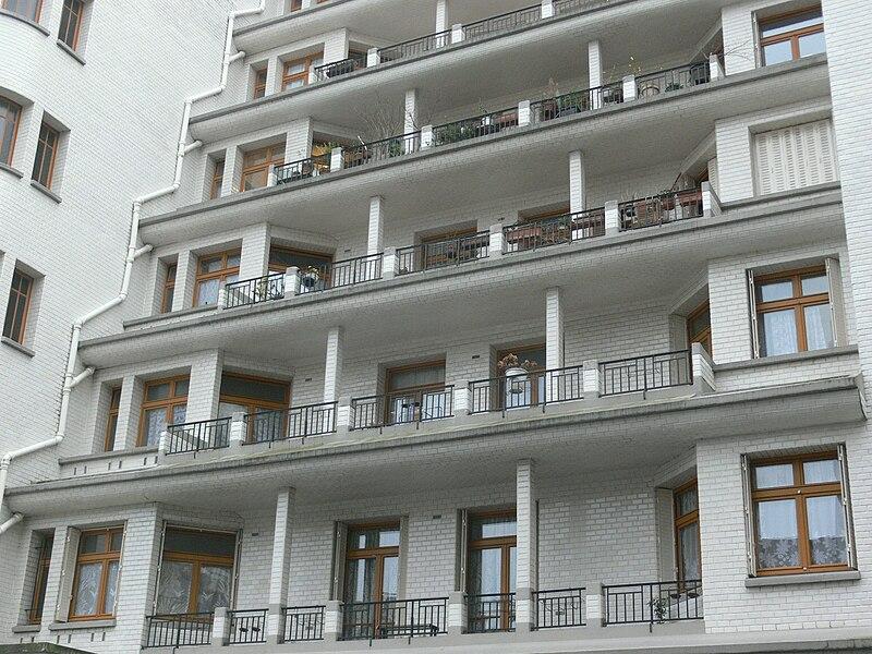 File immeuble sauvage piscine des amiraux balconies for Piscine des amiraux