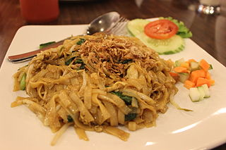Kwetiau goreng Indonesian flat rice noodle dish