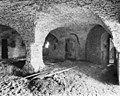 Interieur, overzicht van de kelder met gewelven - Ammerzoden - 20010554 - RCE.jpg