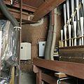 Interieur, zicht op de oude, neo-gotische schildering in het donkerrood, een gordijnschildering,achter het orgel - Heeswijk - 20388715 - RCE.jpg