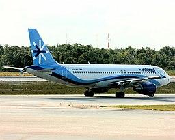 Interjet A320 at Cancun