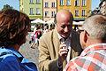 Jacek Rostowski oraz Małgorzata Kidawa - Błońska w rozmowie z mieszkańcami (6123680955).jpg