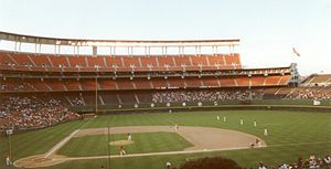 1990 Major League Baseball season - The Padres playing host to the New York Mets at Jack Murphy Stadium during a 1990 home game.
