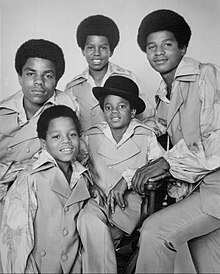 I Jackson 5 il 16 dicembre 1969, durante il The Ed Sullivan Show, nella loro storica formazione. Dall'alto a sinistra: Tito, Jermaine, Jackie, Marlon e al centro, Michael.